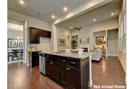 Kitchen-in-2519-at-Carmel-in-Pflugerville