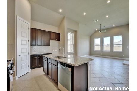 Kitchen-in-1793-at-Carmel-in-Pflugerville