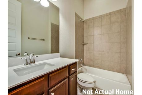 Bathroom-in-1933-at-Carmel-in-Pflugerville