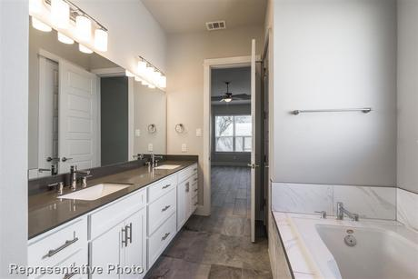 Bathroom-in-2029-at-Edgewater-in-Cedar Park
