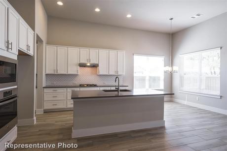 Kitchen-in-2029-at-Edgewater-in-Cedar Park