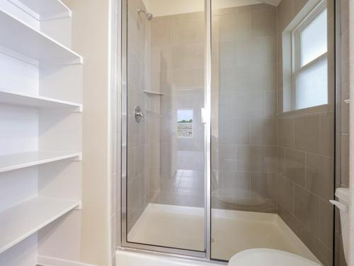 Bathroom-in-1308-at-Edgewater-in-Cedar Park