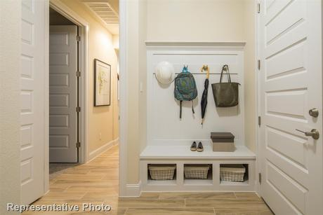 Mud-Room-in-3490-at-Carmel-in-Pflugerville