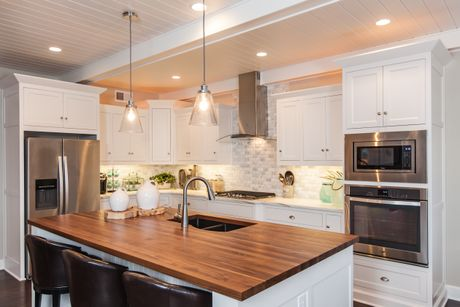 Kitchen-in-Plaza 3-at-Shoal Creek Valley-The Greens-in-Kansas City