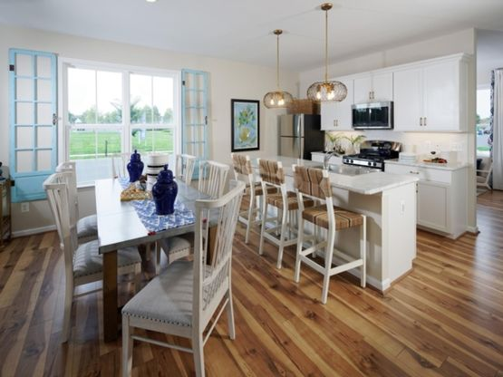 The Riverton - Kitchen and Dining