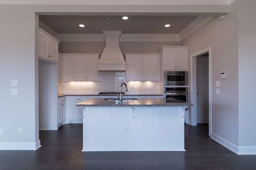 Kitchen-in-Willow-at-Lexington-in-Centerton