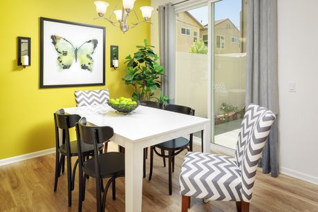 Dining-in-VENICE-at-Cabrillo Collection-in-Sylmar