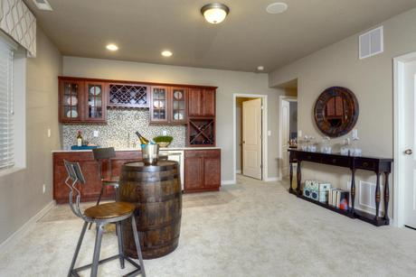 Wet-Bar-in-Monarch-at-Meridian Ranch-in-Falcon