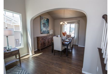 Dining-in-Montarbor-at-Meridian Ranch-in-Falcon