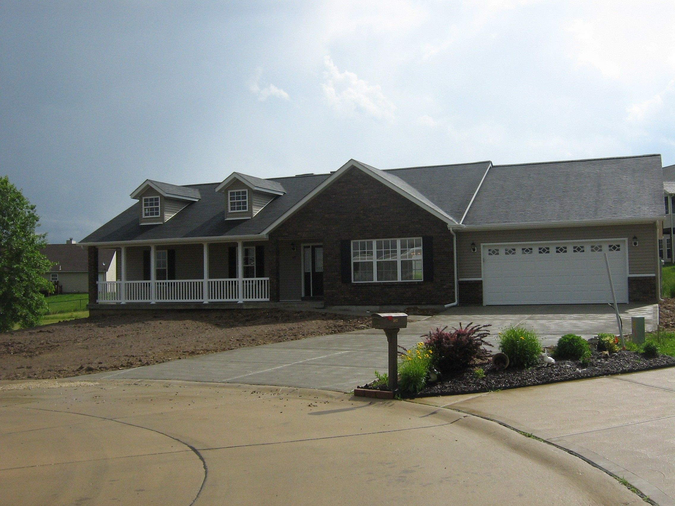 Exterior featured in The Persimmon By Cannon Builders, Inc.  in St. Louis, MO