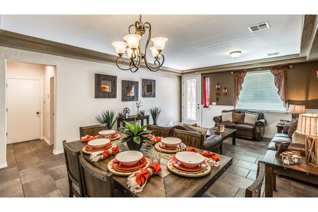Dining-in-Hyland-at-Enchanted Hills-in-El Paso