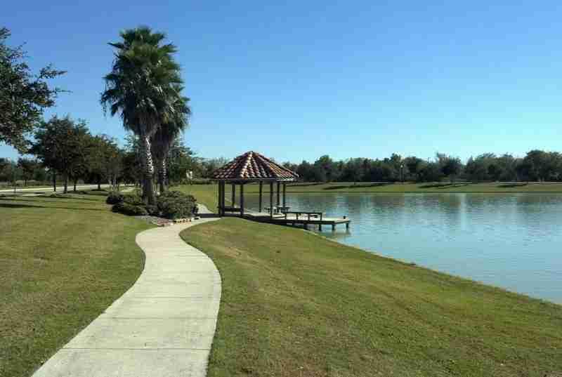 Rodeo Palms Lake