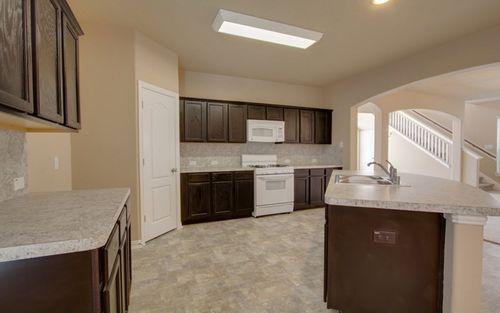 Kitchen-in-Kiowa-Silver-at-Blanco Vista-in-San Marcos
