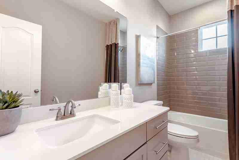 Rodeo Palms Bathroom #2