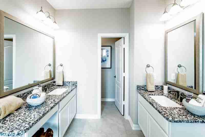 Martha's Vineyard Master Bathroom