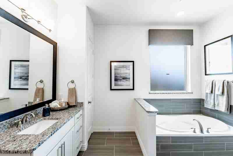 Sonoma Verde Master Bathroom