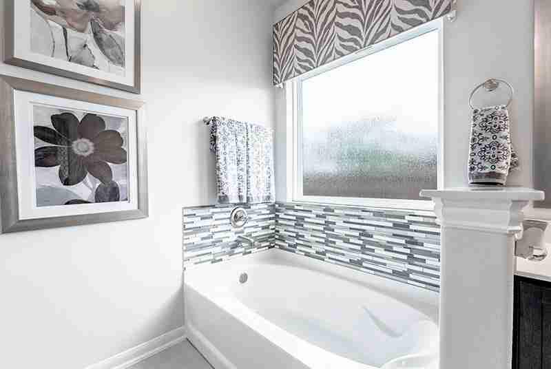 Lynnwood Master Bathroom