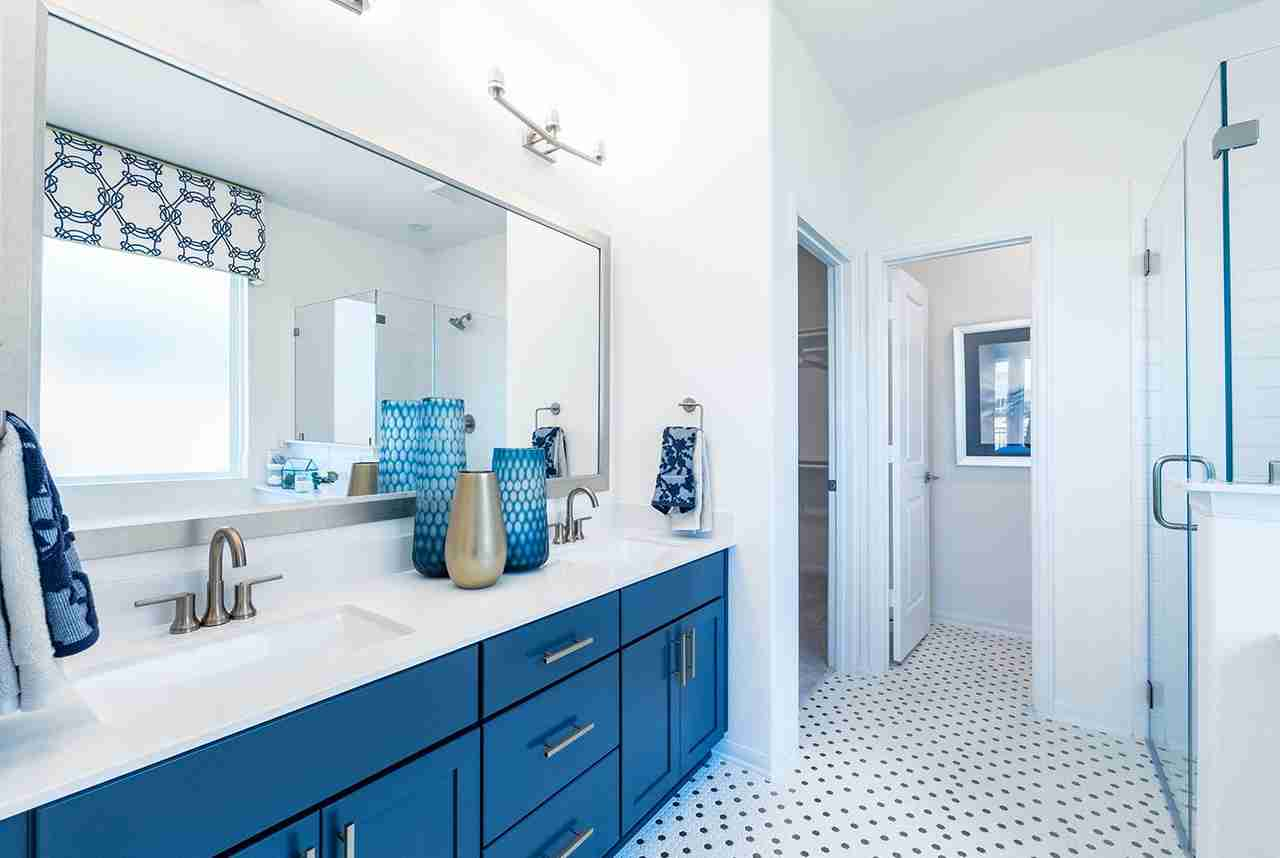 Summer Lakes Master Bathroom