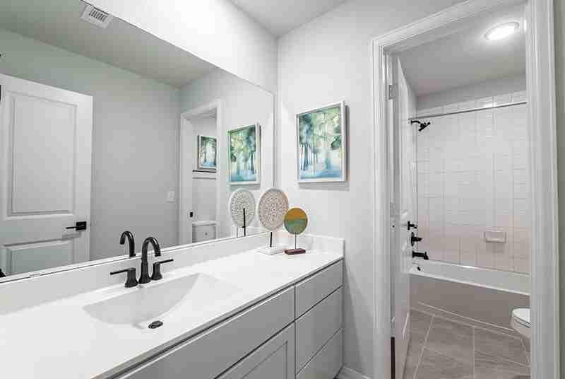 Blanco Vista Bathroom #2