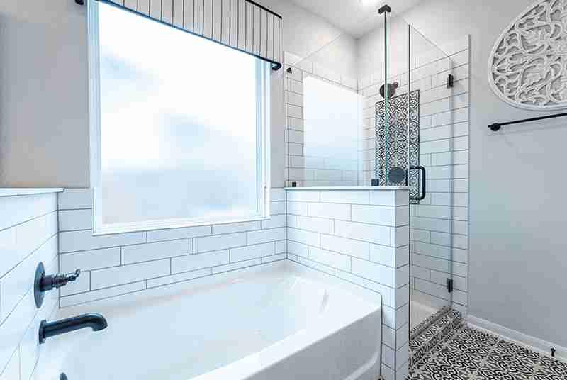 Blanco Vista Master Bath