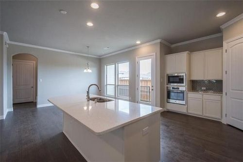Kitchen-in-The Southlake-at-Viridian-in-Arlington