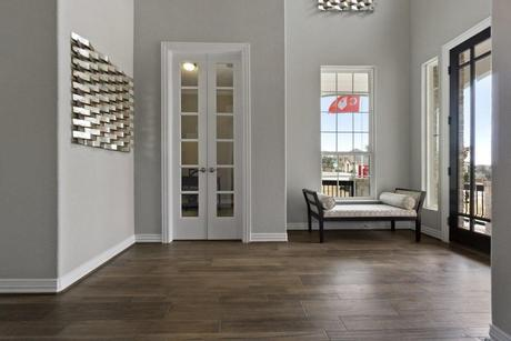 Foyer-in-Artesia-Gold-at-Woodshore-in-Clute
