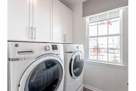 Laundry-in-San Marcos-Silver-at-Woodshore-in-Clute