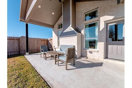 Patio-in-San Marcos-Silver-at-Woodshore-in-Clute