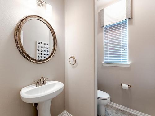 Bathroom-in-San Marcos-Silver-at-Bozman Farms-in-Wylie