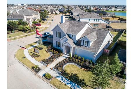 Green-Space-at-Woodshore-in-Clute,TX