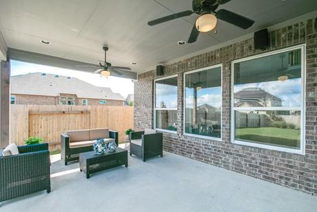 Patio-in-Fremont-Gold-at-Woodshore-in-Clute
