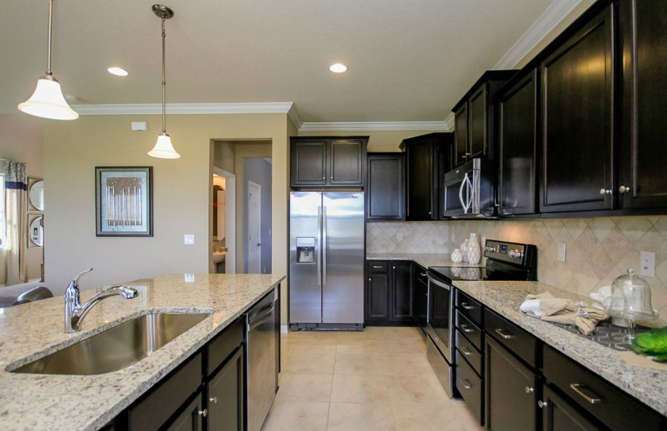 Kitchen-in-Driftwood-at-Serenoa-in-Clermont