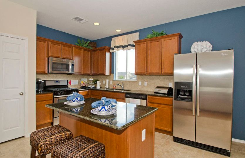 Kitchen-in-Larkspur-at-Serenoa-in-Clermont