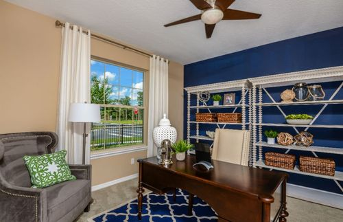 Study-in-Oasis-at-Fountain Park-in-Polk City