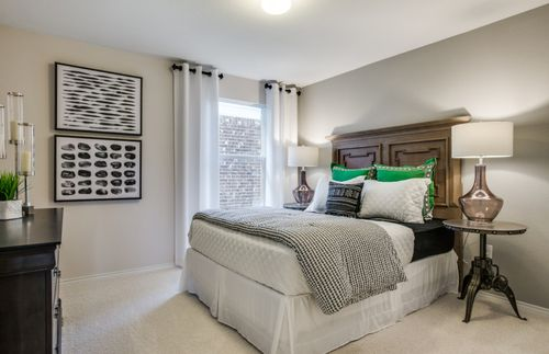 Bedroom-in-Eastgate-at-Winn Ridge-in-Aubrey