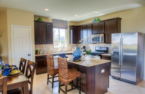 Kitchen-in-Sandalwood-at-Forbes Crossing-in-Houston