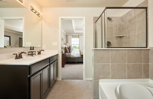 Bathroom-in-Mesilla-at-Silver Canyon-in-San Antonio