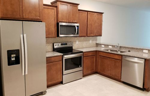 Kitchen-in-Evergreen-at-Rego Palms-in-Tampa