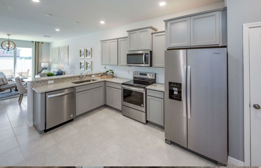 Kitchen-in-Fraser-at-Rego Palms-in-Tampa