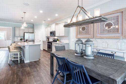 Kitchen-in-Hampton-at-Clear Pond-in-Myrtle Beach