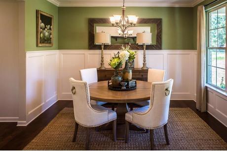 Breakfast-Room-in-Bridgeport-at-Cedarvale Farm-in-Midland