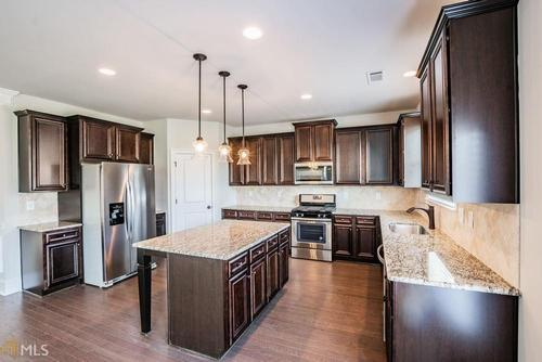 Kitchen-in-Dakota-at-Holly Glen-in-Canton