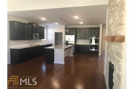 Kitchen-in-Sienna-at-Summit at Towne Mill-in-Canton