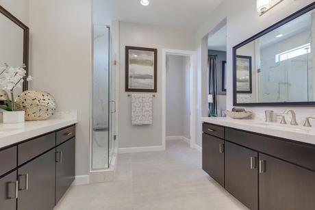 Bathroom-in-Residence 1938-at-Edgeview-in-Las Vegas