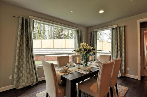 Dining-in-The Knightley - 481-at-Jasper Court-in-Lynnwood