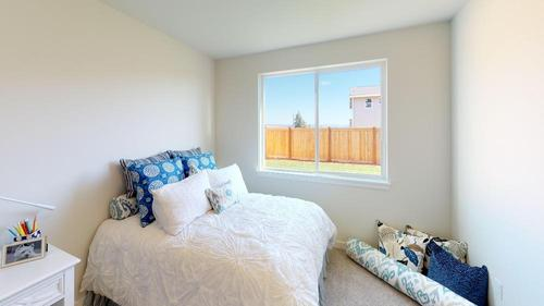 Bedroom-in-The Landon - 580-at-Leawood Heights-in-Lynnwood