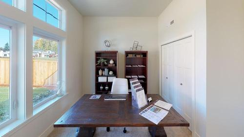 Study-in-The Landon - 580-at-Leawood Heights-in-Lynnwood