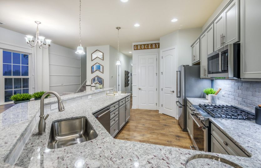 Kitchen-in-Mason-at-McCullough-in-Pineville