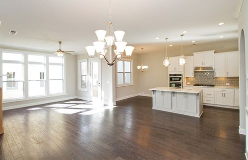 Kitchen-in-Riverside-at-Braeden-in-Alpharetta