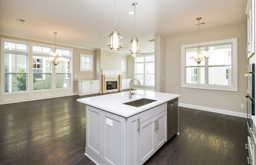 Kitchen-in-Riverside-at-Foundry-in-Alpharetta